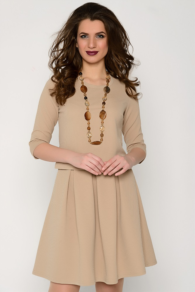 Недорогая модная женская одежда